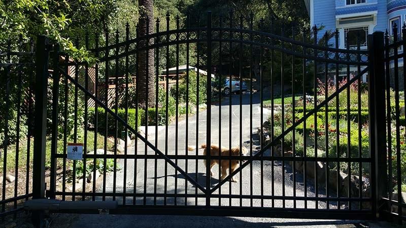 aluminum cantilever gate2