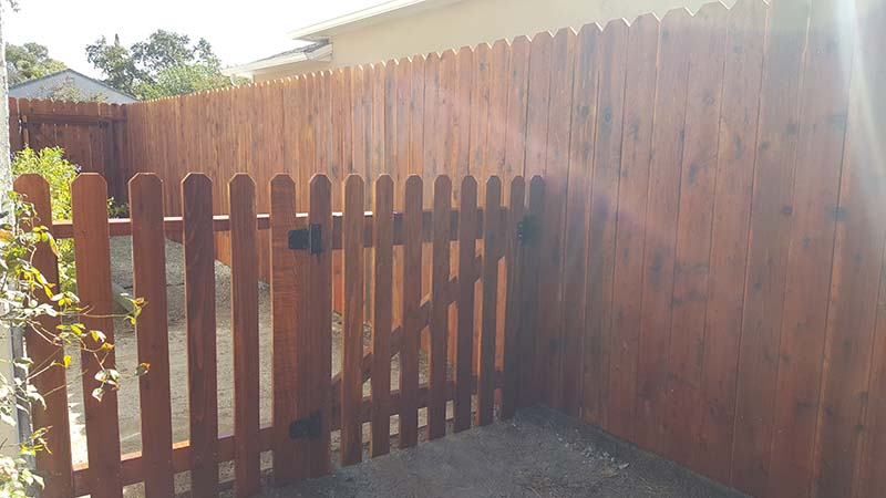 1×4 picket fence 1