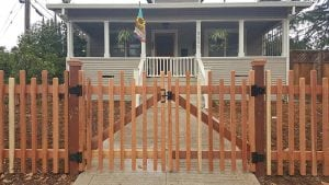 custom picket fence 3