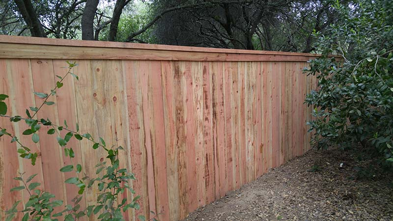 Solid Board Fence with Cap and Trim  (Front) – 3