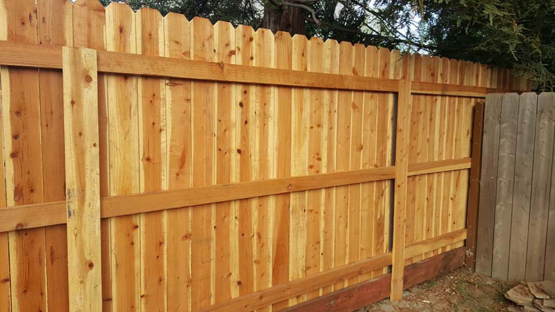 Redwood Dog Ear Fence  with Kickboard and Metal Postmasters– 1