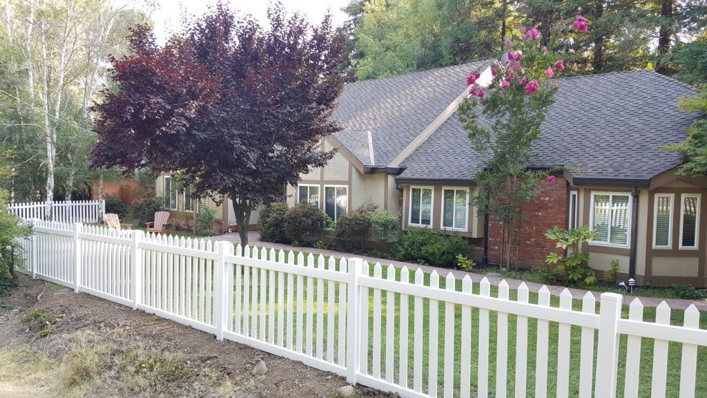 Vinyl Picket Fence 2