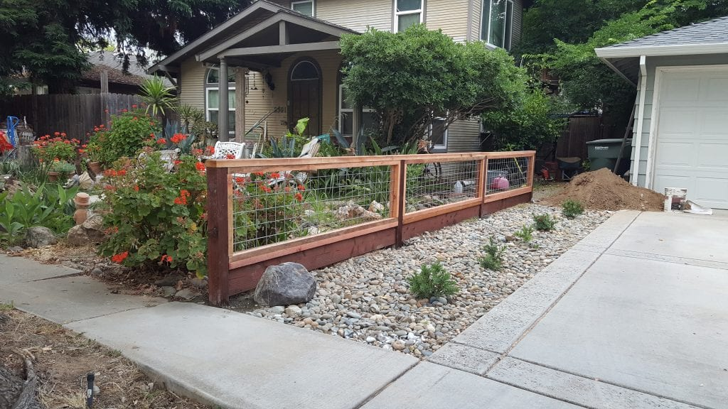 Hogwire Front Yard – 1