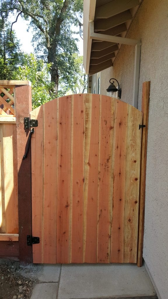 Arched Solid Board Gate – 4