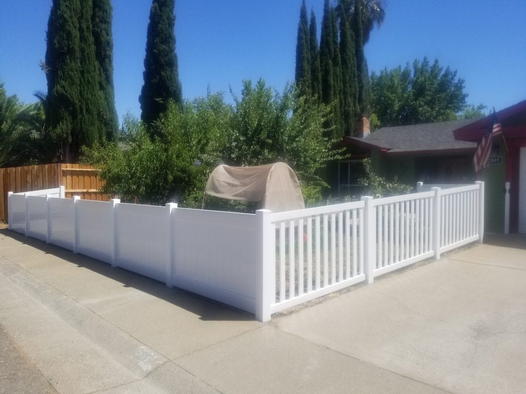 White Vinyl Closed Pickets and Privacy Fence – 13