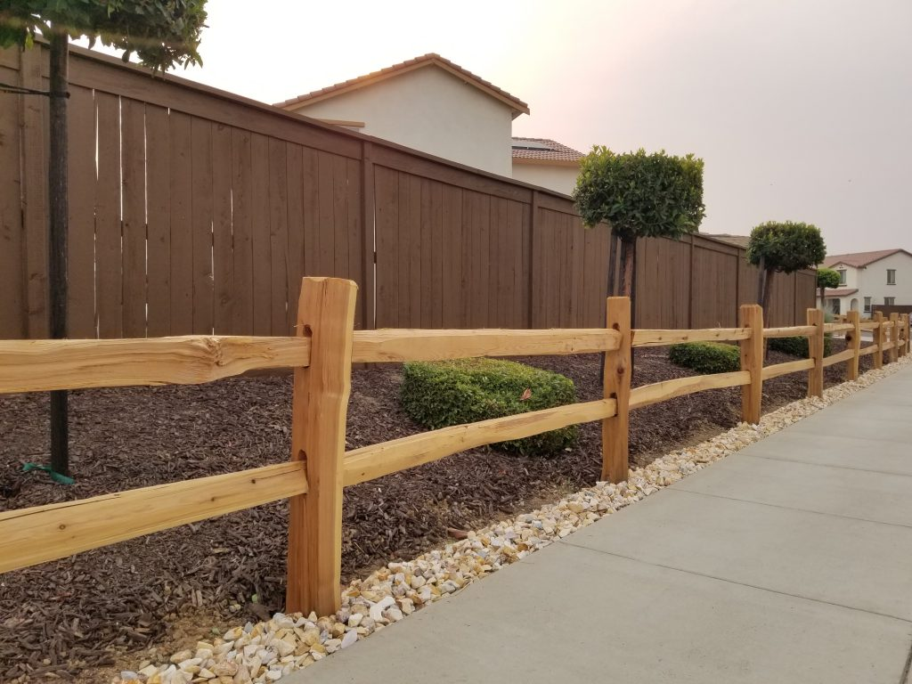 Cedar Split Rail Custom Fence – 3