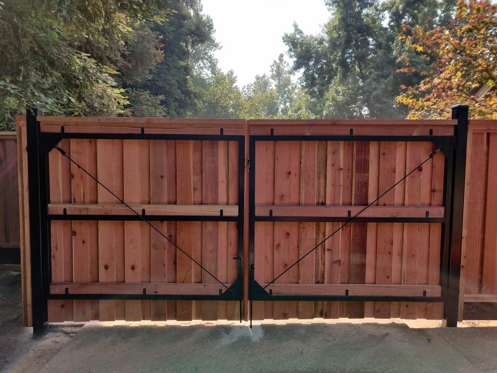 Board on Board Cap and Trim Double Gate Frame – 11