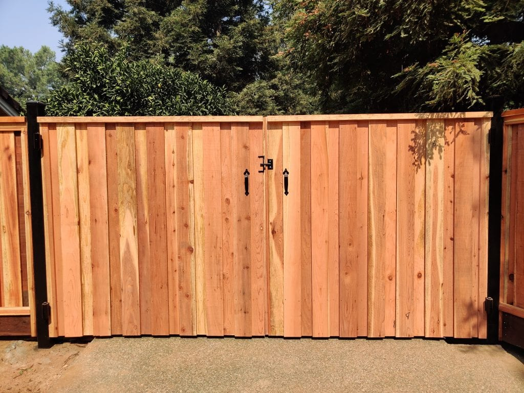 Board on Board Cap and Trim Double Gate – 10