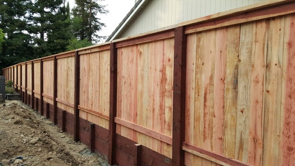Solid Board Cap and Trim with Retaining Wall – 3